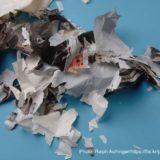 バラバラになったプラスチックの袋