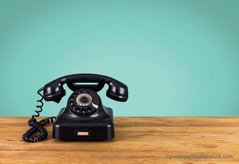 ベークライト製の電話