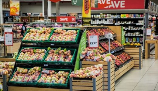 英のスーパーマーケット 年間590億個のプラ包装を排出