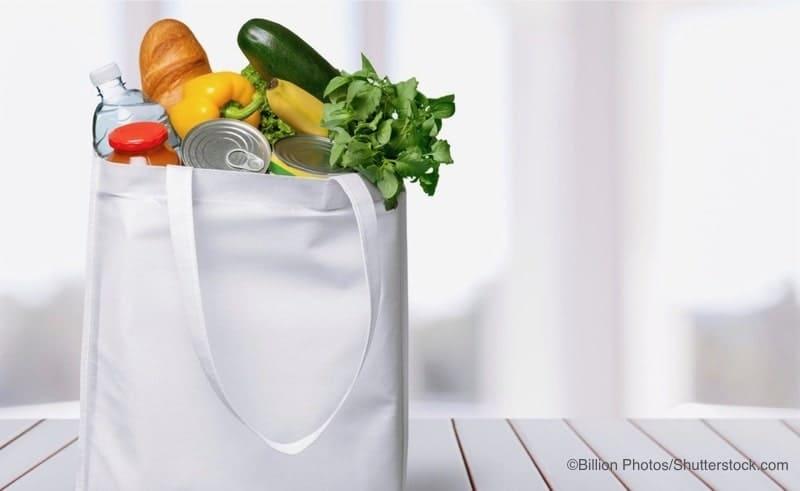エコバッグと野菜
