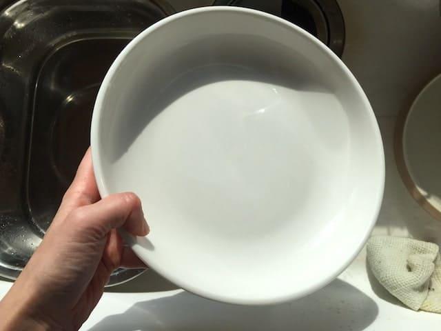ソープナッツ液で食器洗い
