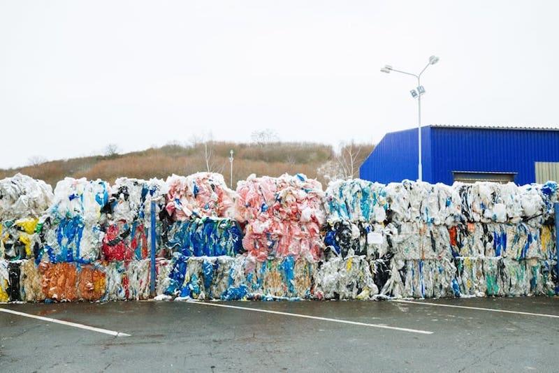 プラスチック廃棄物