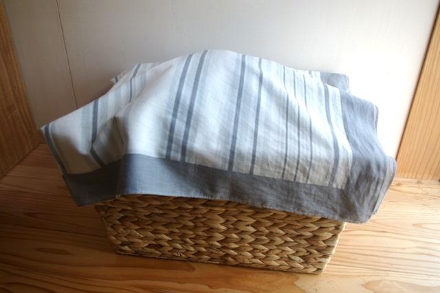 おもちゃ箱を覆った風呂敷