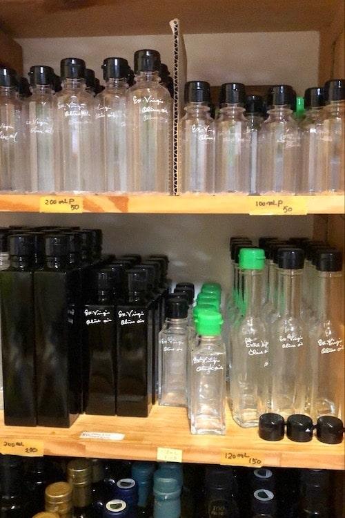 ル・ボスケの棚に並んでいる小分け用の瓶