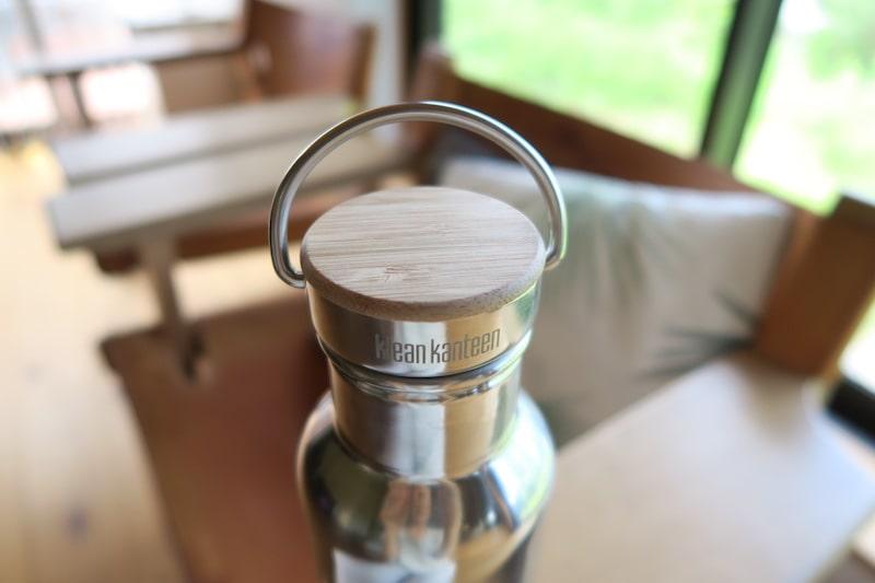 リフレクトインスレートボトルのキャップの竹の部分