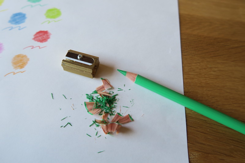 DUXの鉛筆削りで削った色鉛筆