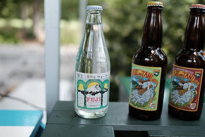 ジブリ美術館のミネラルウォーターとビール