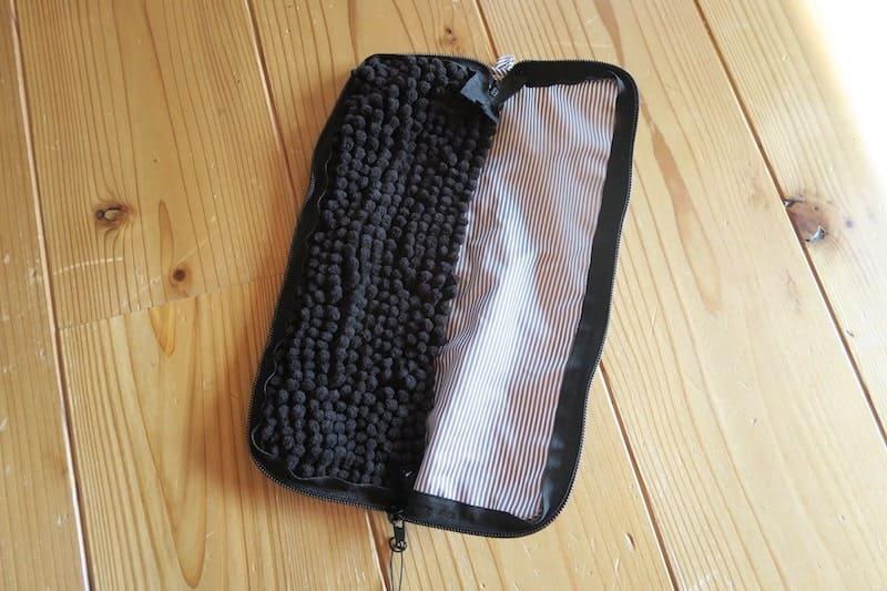 折り畳み傘用のカバーの内側