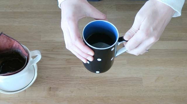 柿渋リネンのフィルターで淹れたコーヒー