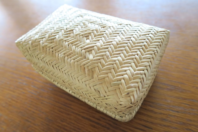 網代編みの竹かご