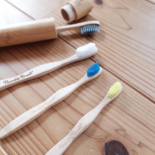 ハンブルの大人用と子供用の竹歯ブラシ