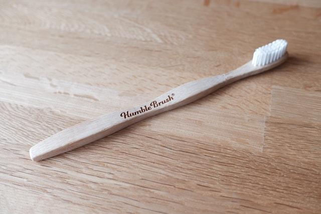 ハンブルの大人用の竹歯ブラシ