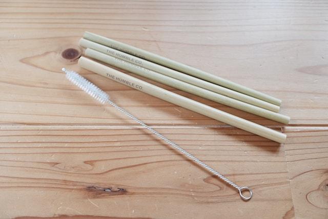 ハンブルの竹ストローとブラシ