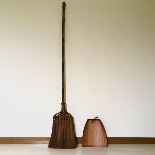 棕櫚の長柄箒